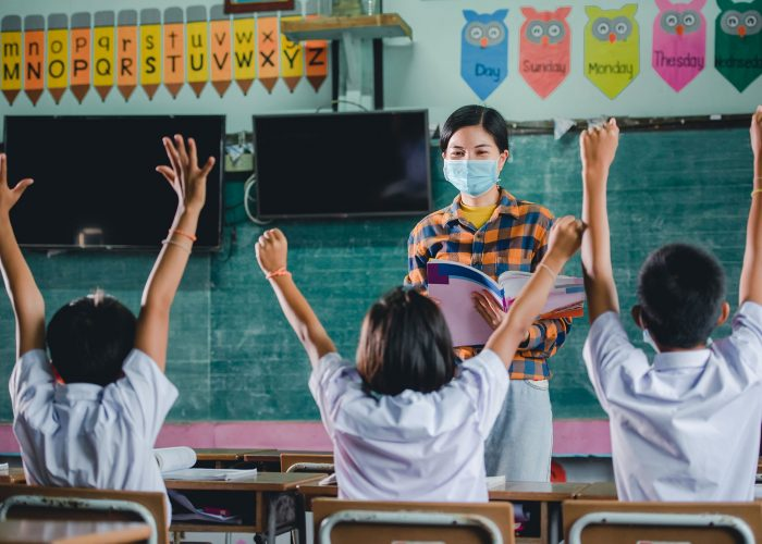 Insider-Tips-for-Teaching-English-in-Thailand-for-Gap-Year-Travellers-in-Southeast-Asia-Volunteering-in-Teaching-English-with-Grabatour-Travel