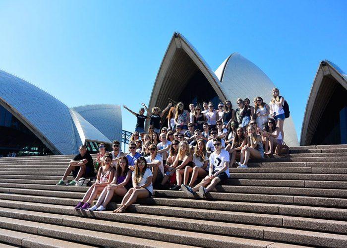 Oz-Gap-Year-Australia Gap Year Tour Working Holiday Package in Australia Work and Travel in Sydney Find Paid Work Down Under-Aussie-Adventure-Ultimate Working Holiday Sydney-Tour Grabatour-Travel