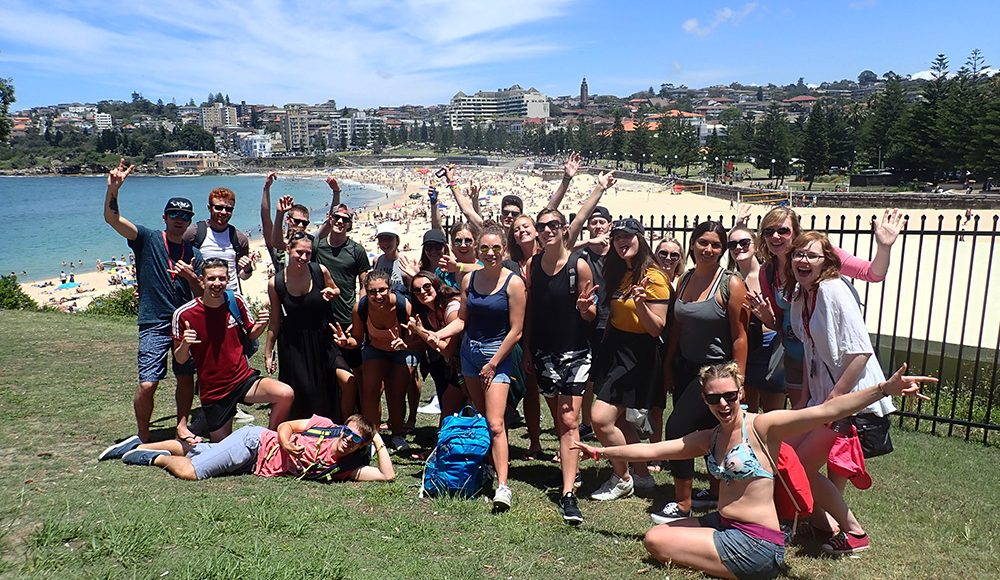 Oz-Gap-Year-Australia Gap Year Tour Working Holiday Package in Australia Work and Travel in Sydney and Find Paid Work Down Under-Aussie-Adventure-Ultimate Working Holiday Sydney-Grabatour-Travel