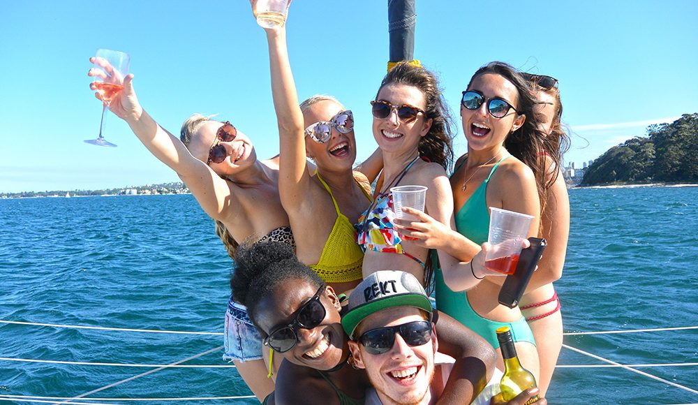 Oz-Gap-Year-Australia Gap Year Tour Working Holiday Package in Australia Work and Travel in Sydney and Find Paid Work Down Under-Sydney Harbour Cruise Working Holiday Sydney-Tour Grabatour-Travel