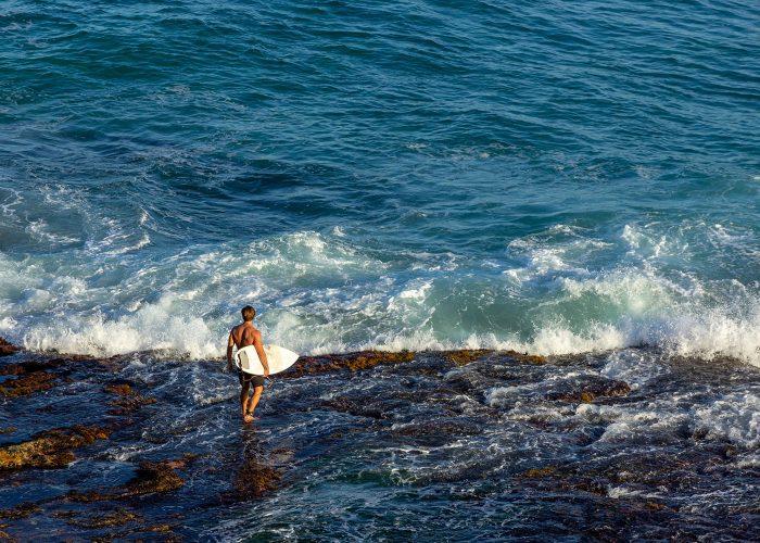 Sydney-Adventure-Australia-Bondi-Beach-Surf-Lesson-Tour-from-Sydney-Australia-Tours-Gap-Year-Adventure-Down-Under-Best-Sydney-Intro-Tour-of-Australia-Small-Group-Tours-Grabatour-Travel