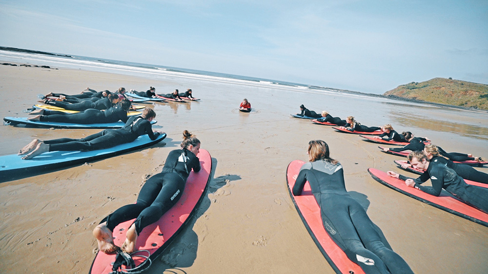 Melbourne-Gap-Year-Paid-Work-grabatour-travel-Surf-Lesson-Phillip-Island-Welcome-To-Travel-Melbourne