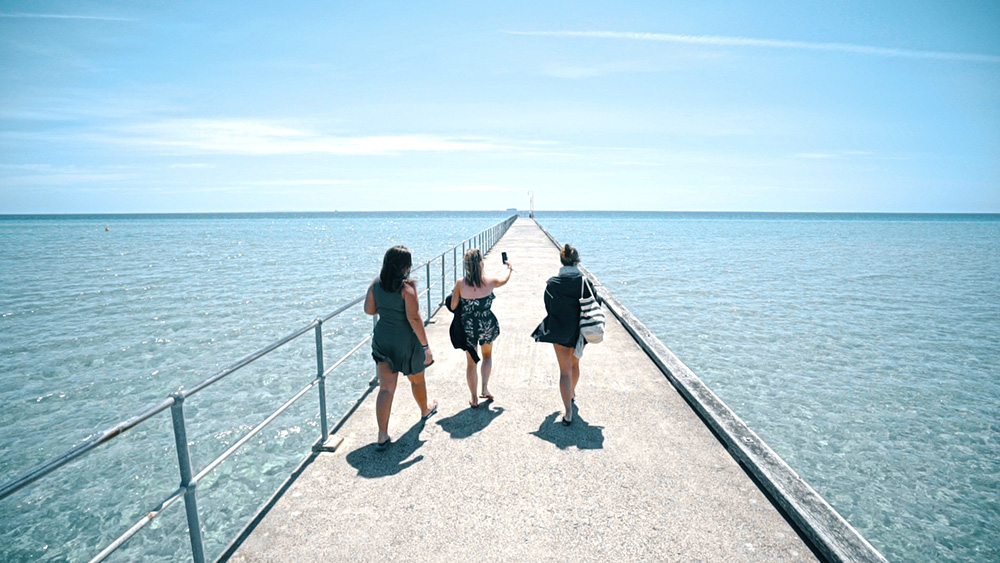 Welcome-to-Melbourne-Gap-Year-Paid-Work-Grabatour-Travel-Dromana-Pier-Mornington-Welcome-To-Travel