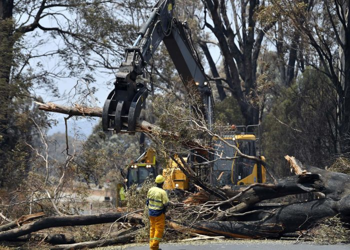 The recovery efforts in fire-affected communities has begun in Australia. Source - Australian Defence Force - Australia bacpackers working holiday 417 462