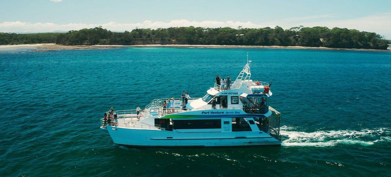 Australia-Gap-Year-Yatch-trip-Working-Holiday-Adventure-and-Find-Paid-Work-Down-Under-Welcome-to-Sydney-Adventure-Gap-Year-Travel-Expert-Your-Ultimate-Australia-Gap-Year-Tour-by-Grabatour