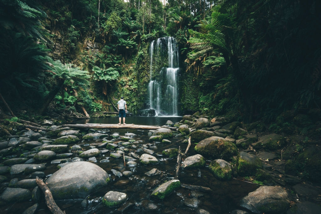 Beauchamp-falls-Great-Ocean-Road-Trip-South-Australia-Iconic-12-Apostles-towering-Melbourne-Travelling-in-Melbourne-Australia-Work-and-Travel-Working-Holiday-Backpackging-Tour-Melbourne-Grabatour