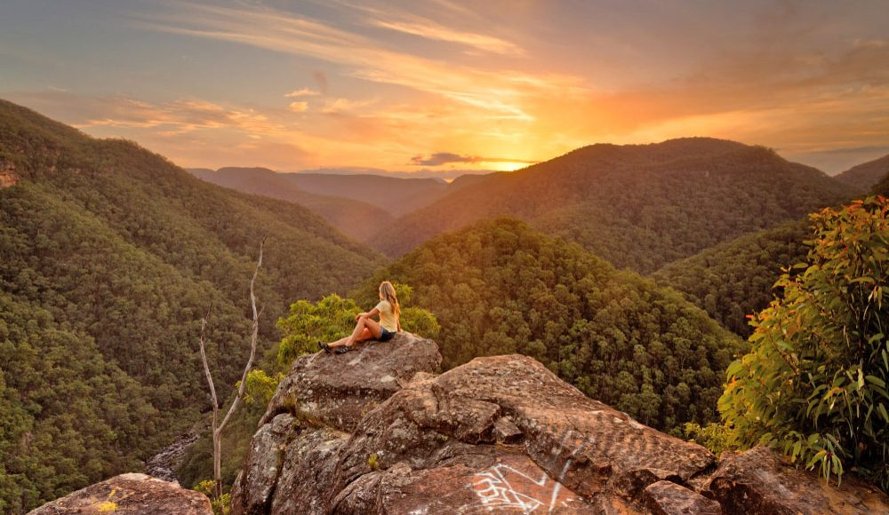 Blue-Mountains-Sunrise-Sunset-Three-Sisters-from-Scenic-World-Central-Coast-Road-Trip-Sydney-New-South-Wales-Australia-Sydney-Gap-Year-Adventure-Tour-Australia-Road-Trip-Grabatour-Travel