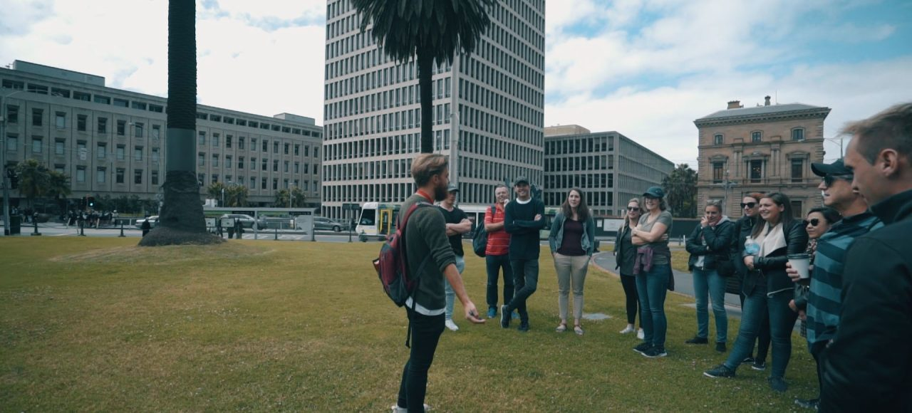 City-Sightseeing-Get-a-Taste-of-Melbourne-Arrival-Package-Australia-Employment-Help-Set-Up-Australia-Working-Holiday-Visa-Melbourne-Starter-Pack-Gap-Year-Arrival-Packagel-Grabatour-Travel