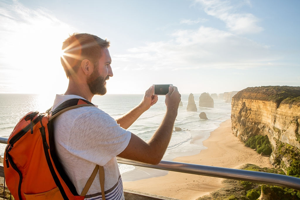 Melbourne-Great Ocean Road Trip South Australia Iconic 12 Apostles towering Working-Holiday-Visa-Arrival-Package-Melbourne-Arrival-Package-Employment-Help-and-Find-Paid-Work-Grabatour
